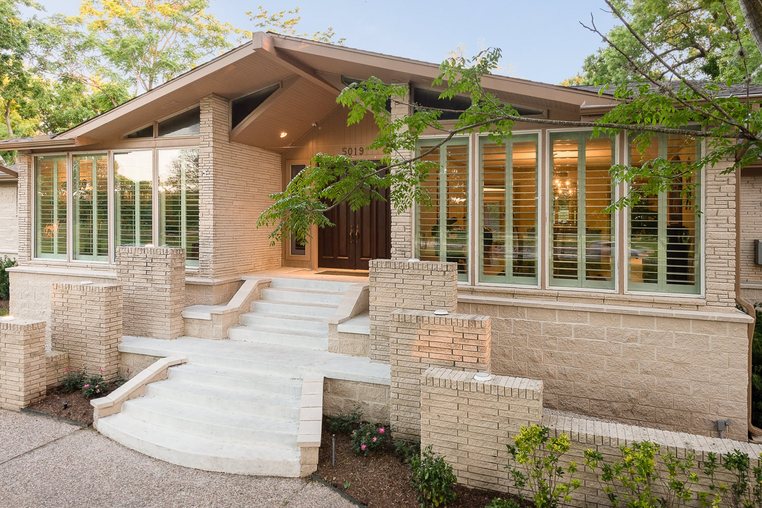 5019 South Braeswood, P3 Elevation, Low Lift, Front Stairs
