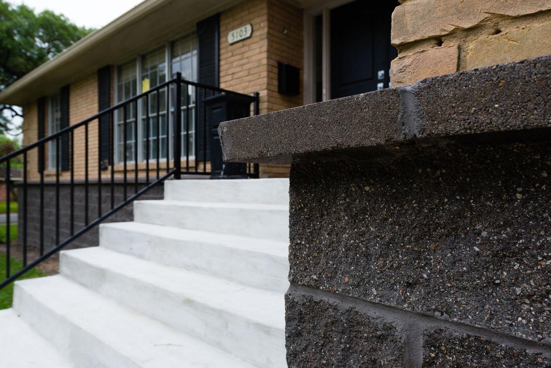 5103 Queensloch, Low Lift, P3 Elevation,  Split Face Block