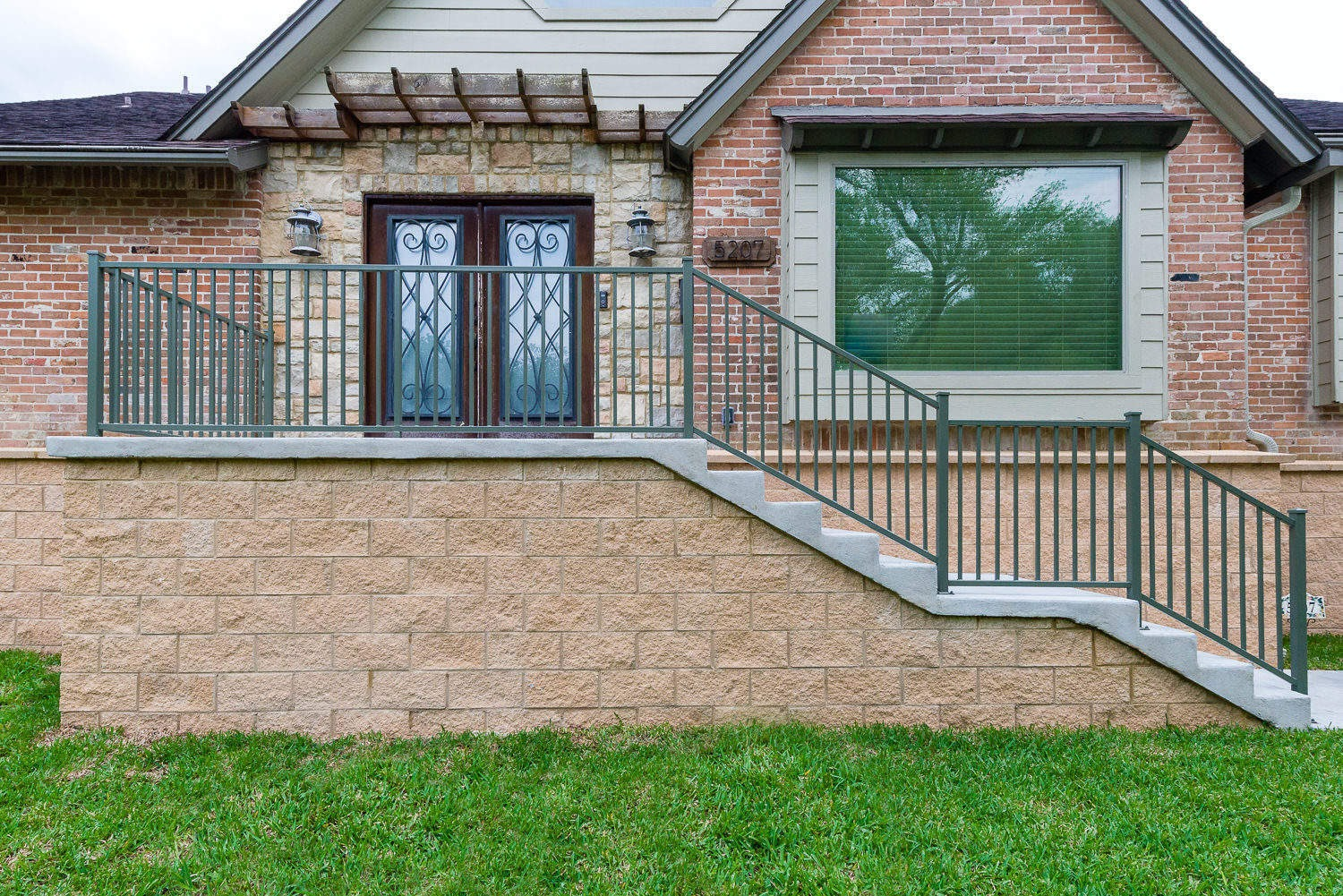 5207 Contour Place, P3 Elevation, Low Lift, Front Stairs