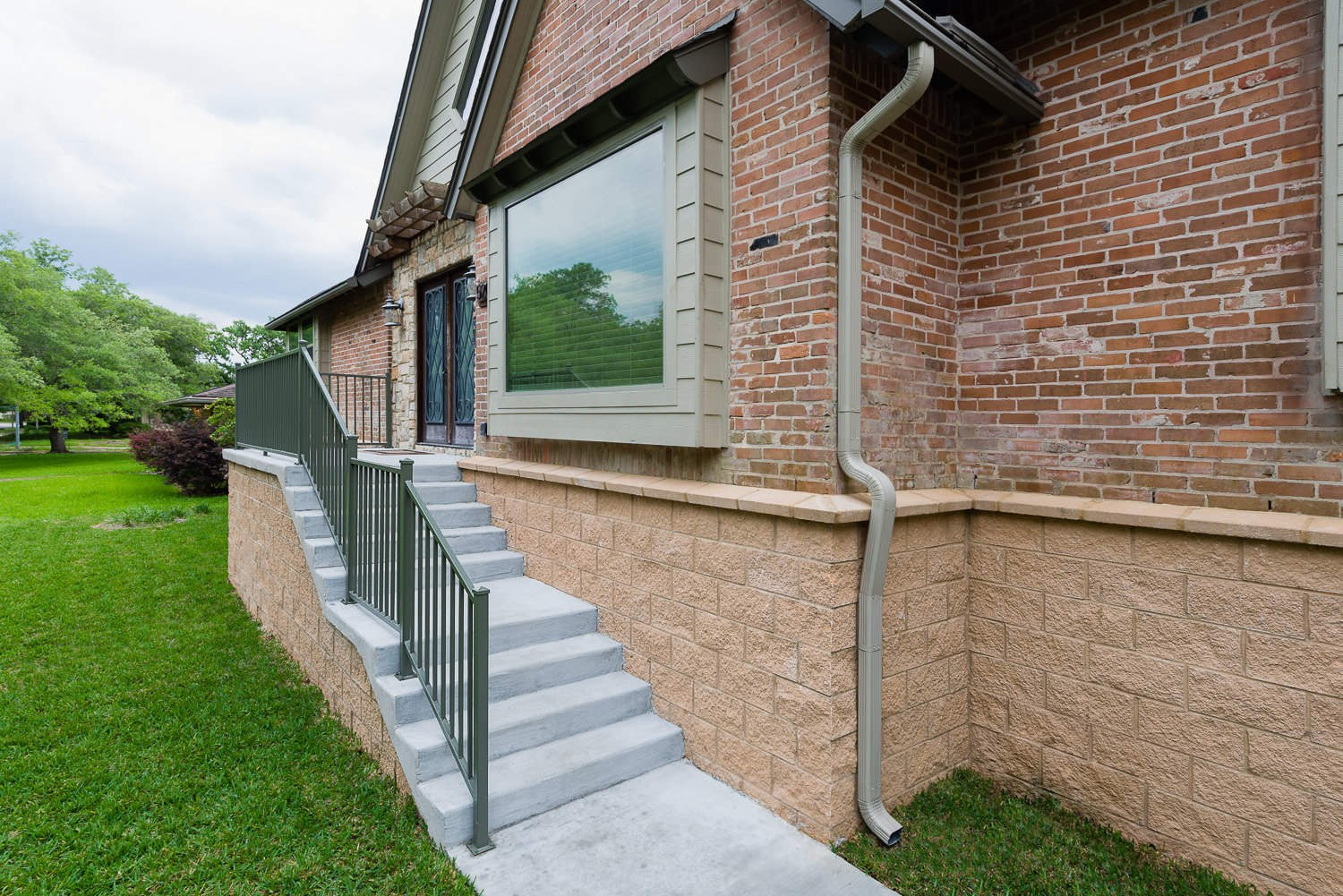 5207 Contour Place, P3 Elevation, Low Lift, Front Stairs Angle