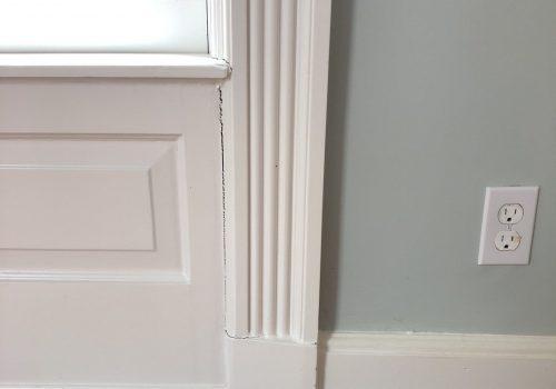 How do you level a foundation to stop window cracks